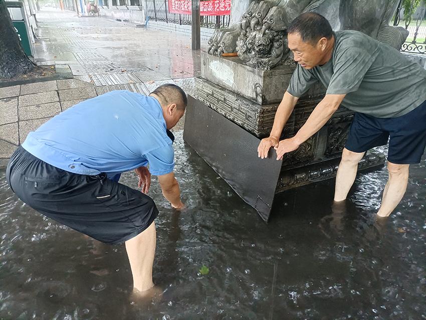 质检技术部清淤排水.jpg